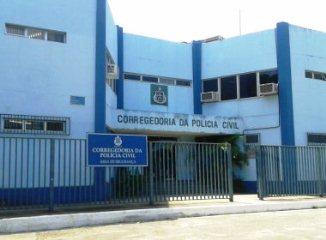 Delegado está preso na Corregedoria.