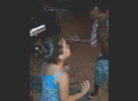 Garotinha não deve ter 10 anos, mesmo assim mostrou muita personalidade e conhecimento do que queria transmitir