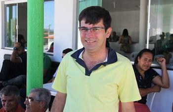 Fagner tem 33 anos, é casado, pai de um filho, atua como advogado está terminando a especialização em Direito Ambiental