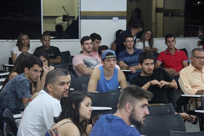 O curso começa com um bom número de alunos matriculados | foto: Raimundo Mascarenhas