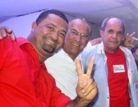 Osni durante a convenção que homologou Ferreirinha candidato a prefeito e Paulo Bahia vice