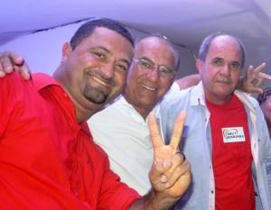Osni não explicou os motivos, mas parecia estar firme no apoio durante a convenção que homologou Ferreirinha e Paulo Bahia