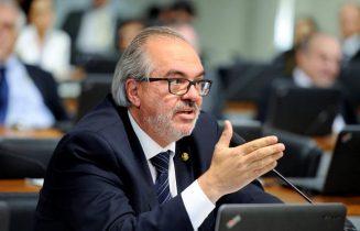 Senador Roberto Muniz assumiu o Senado a cerca de três meses  quando Walter Pinheiro deixou para assumir a Secretaria de Educação da Bahia - Foto: Agencia Senado