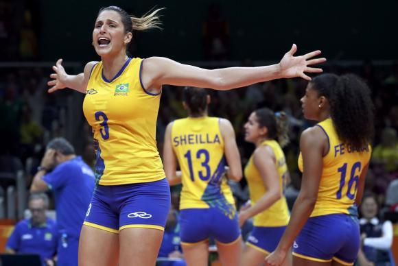 Seleção brasileira de vôlei feminino perdeu para as chinesas no tie-break