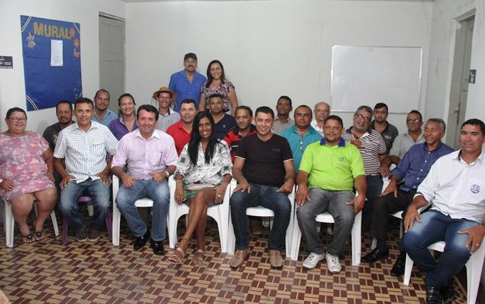 Silvania e Homero em reunião com os candidatos a vereador | Foto: Raimundo Mascarenhas