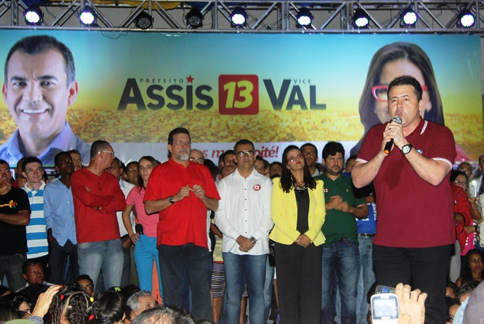 Alex em 2012 esteve na disputa e venceu ao lado de Assis e está empenhado agora para eleger a esposa junto com Assis | foto: Raimundo Mascarenhas