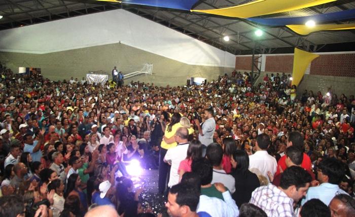 A militância cantou e dançou do inicio ao fim as musicas da campanha passada e conheceram as novidades para este ano | foto: Raimundo Mascarenhas