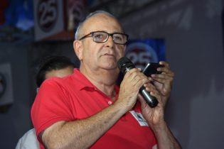 Emério fez criticas quando as obras e os empregos que segundo ele não foram cumpridos   Foto: Raimundo Mascarenhas