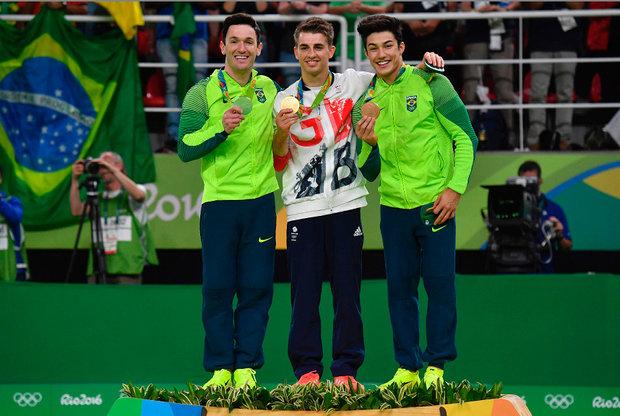 Brasileiros e britânico no pódio