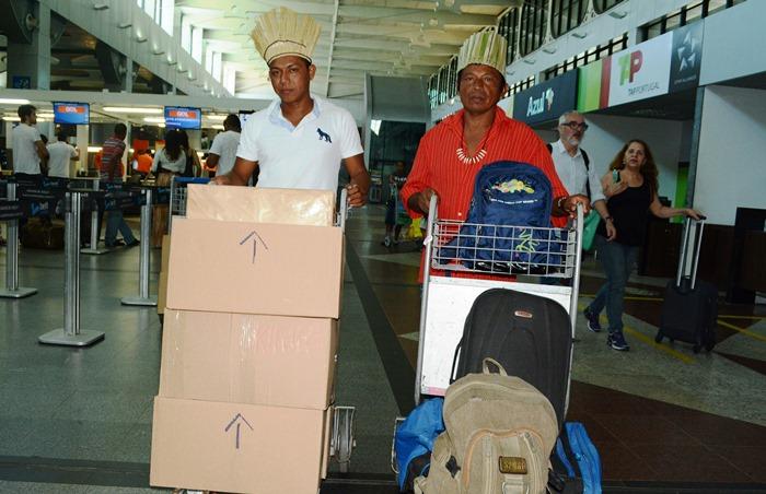 Índios de Banzaê embarcaram para o Rio de Janeiro | Foto: Aurelino Xavier - SDR