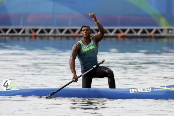 Izaquias é o 5º brasileiro a conquistar duas medalha numa mesma olipíada