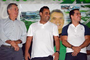 Joélcio, Marcelo e Joelcinho durante a convenção | Foto: Noticias de Santaluz
