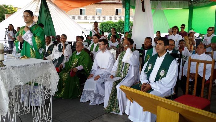 Padres das Paróquias da Diocese de Serrinha apoiam o movimento social