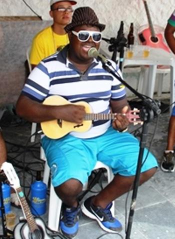 Neco do Cavaco - cadeira cativa das manhãs de sol do Clube Castro Alves em Coité | Foto: Raimundo Mascarenhas