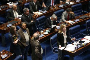 Plenário do Senado foi palco de discussões, debates e acusações durante o primeiro dia de julgamento
