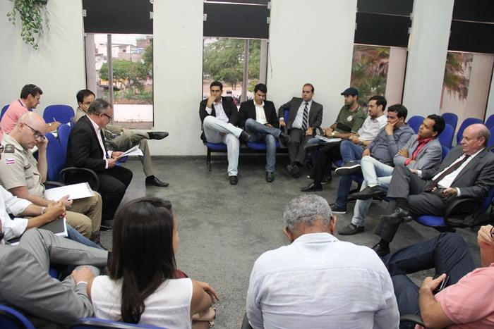 reunião com representantes das coligações em coité - foto2-raimundo mascarenhas