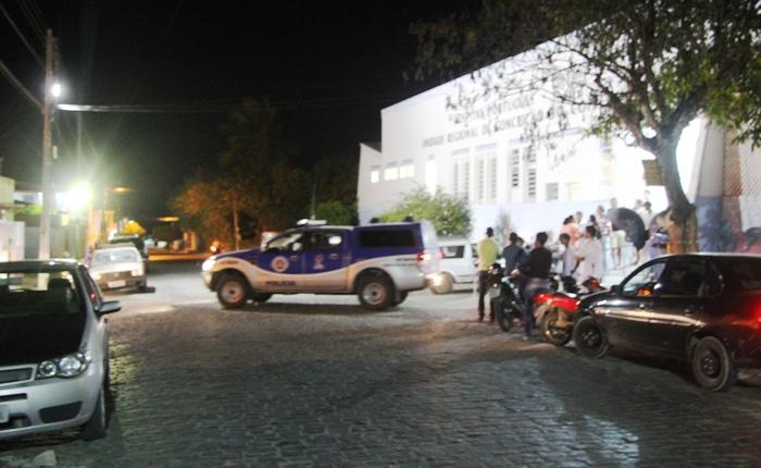 Viatura fez escolta da ambulância na saída do Hospital até determinado trecho da rodovia | Foto: Raimundo Mascarenhas