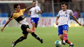 Renato Cajá ainda devendo um bom futebol deu lugar a Regis que entrou bem