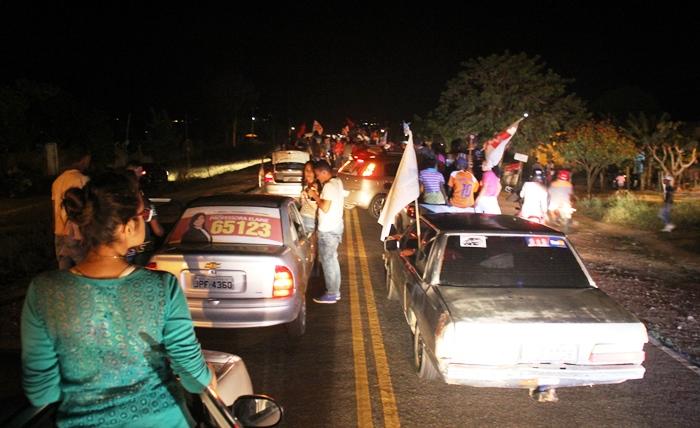 Governador foi a Bandiaçu em carreata que saiu no Bairro Cidade Jardim | Foto: Raimundo Mascarenhas