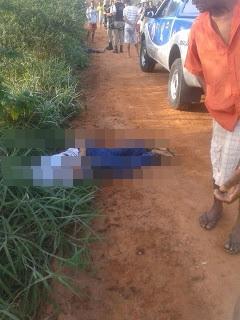 Os corpos estavam separados por alguns metros