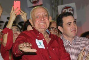 Hamilton Rios na convenção que homologou os nomes de Vertinho e Renato