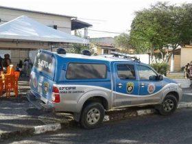 Segundo polícia, trio chegou ao local e atirou contra vítima