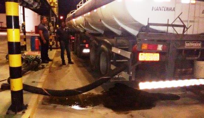policia-recupera-carga-de-combustivel-roubada-em-feira-avaliada-em-rs-85-mil