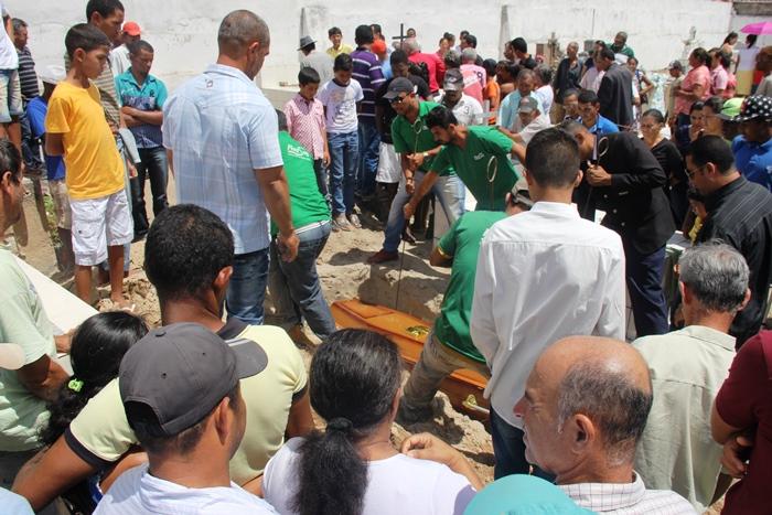 Funcionários da Plastsag sepultaram o corpo de Jorge