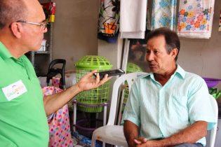 Laurindo chegou a se candidatar a prefeito em 2008, mas tinha dupla filiação e desistiu, para não correr risco, colocou sua esposa que foi eleita e reeleita