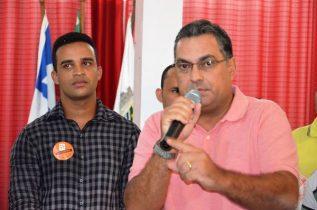 Luciano ao lado do presidente do SD municipal de Tancredo Neves