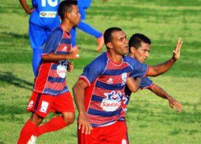 Marcelo Muritiba comemora o primeiro gol