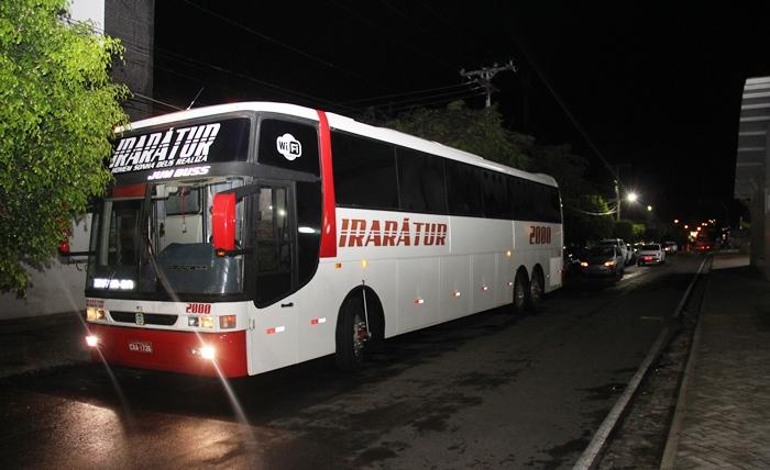 Ônibus estava preparado pata a viagem quando chegou a informação do crime | Foto: Raimundo Mascarenhas