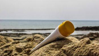 Protetor solar é item fundamental para evitar câncer de pele e envelhecimento precoce Foto: Pixabay