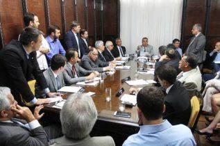 Mesa Diretora decidiu cortar privilégios de deputados
