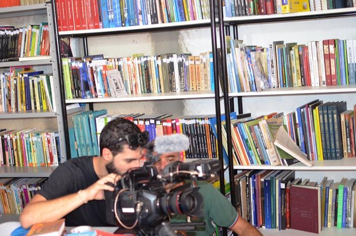 No dia que completou um ano, mas uma equipe de TV esteve gravando para mostrar em rede nacional   Foto: Teones Araújo