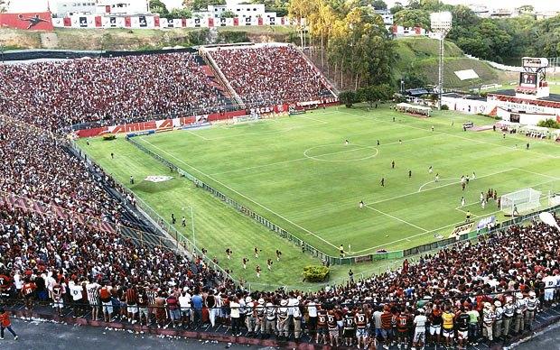 Estádio do Barradão mudou a história do Leão, mas este ano a campanha no santuário deixa a desejar (Foto: Marcio Costa e Silva/Arquivo Correio