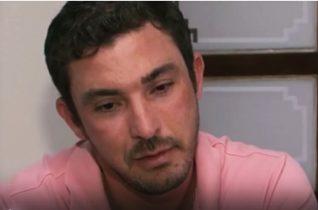 Empresário nega; ele diz que levou pontapés quando foi visto com mulher.
