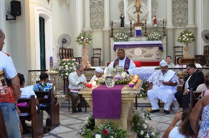 Culto intra religioso reuniu no mesmo espaço todas as crenças da Bahia