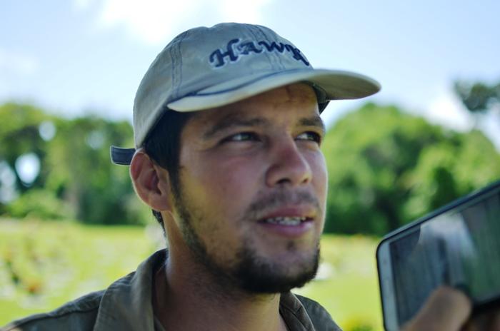 Coiteense Rafael Silva trabalha no cemitério Jardim da Saudade