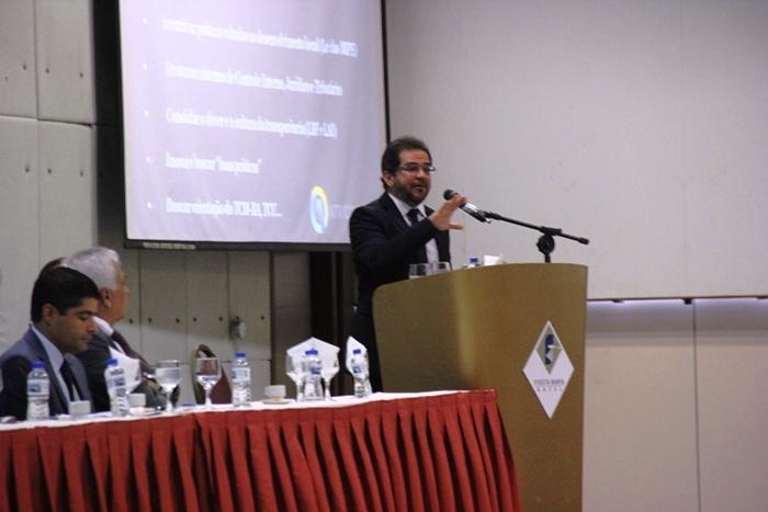 Presidente do Tribunal de Contas do Estado de Pernambuco, conselheiro Valdecir Pascoal abriu os trabalhos