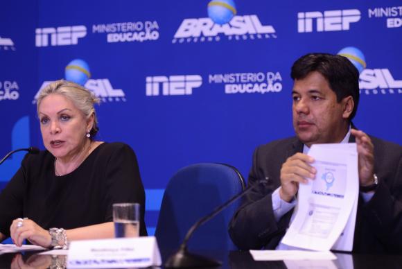A presidente do Inep, Maria Inês Fini, o ministro da Educação, Mendonça Filho, falam à imprensa sobre o Enem Marcello Casal Jr/Agência Brasil