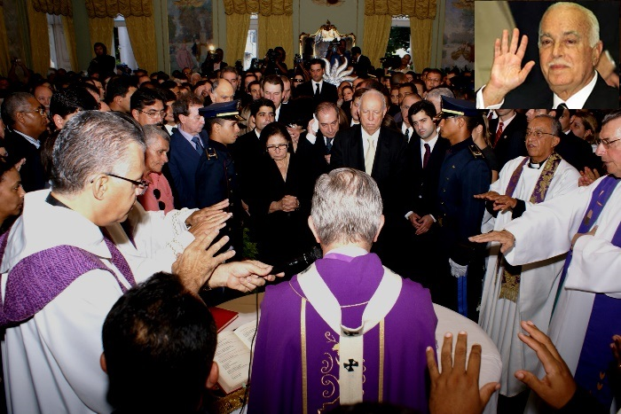 Arcebispo Primaz do Brasil Dom Geraldo Margela presidiu a concelebração da missa de corpo presente | foto: Raimundo Mascarenhas