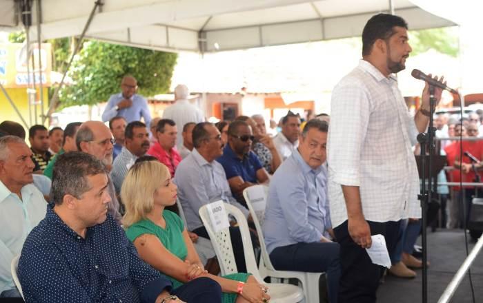 Prefeito de Aramari adere a base do governo Rui Costa e ao mandato do  deputado Alex da Piatã – Calila Noticias