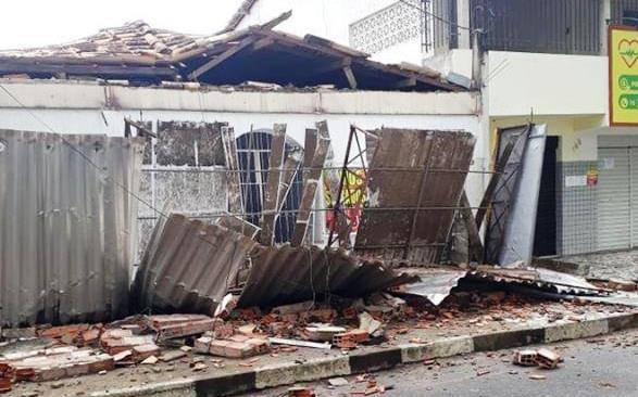 Feira de Santana: raio atinge pizzaria no distrito de Humildes