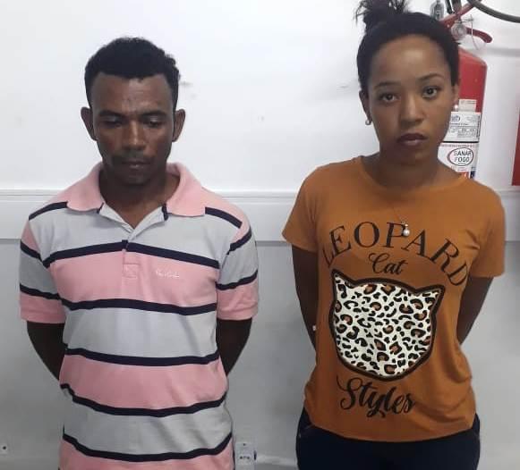 Moradores de Feira de Santana são presos em Serrinha em posse de droga e centenas de outros objetos
