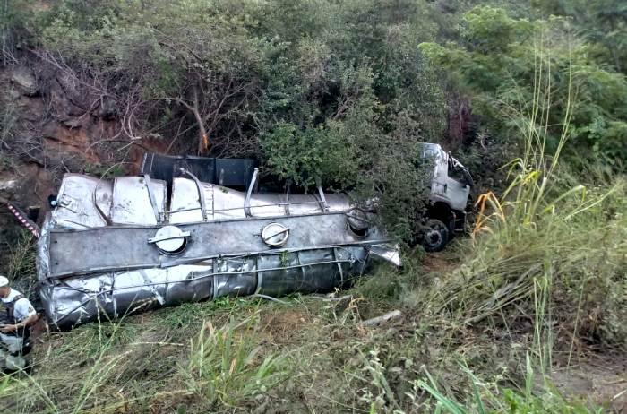 Caminhoneiro morre em acidente na Estrada do Feijão