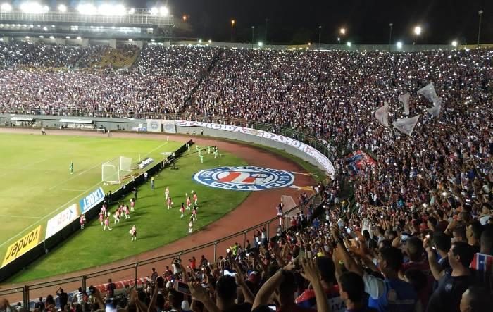 Bahia abre o placar contra o Ceará, leva virada no fim e frustra quase 29 mil torcedores