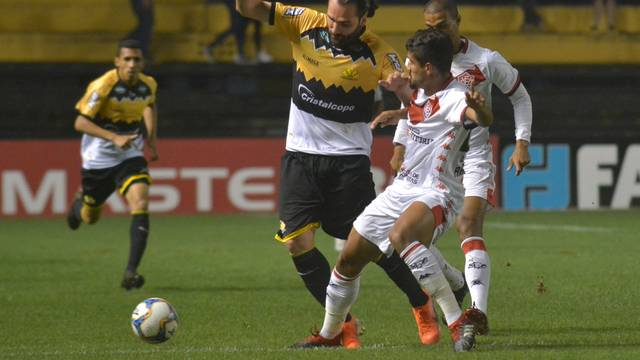 Série B – Com um gol em cada tempo, Criciúma e Vitória empatam em SC