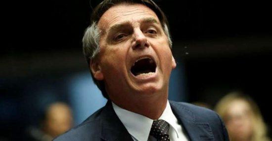 'Tá com sua mãe', responde Bolsonaro a pergunta de ciclista sobre Queiroz