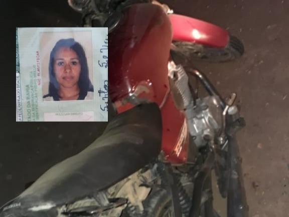 Carona de moto morre após veículo ser atingido por Fiat Palio na BA 417